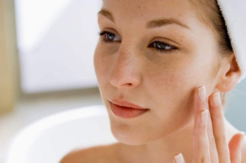 Bí quyết chăm sóc da mặt bị xỉn màu tuổi 20 hiệu quả cho bạn