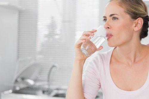 Những tips da dầu ngồi điều hòa vẫn mịn màng cho phụ nữ tuổi 40