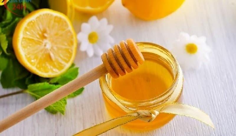Cách trị mụn lưng bằng mật ong cho tuổi trung niên
