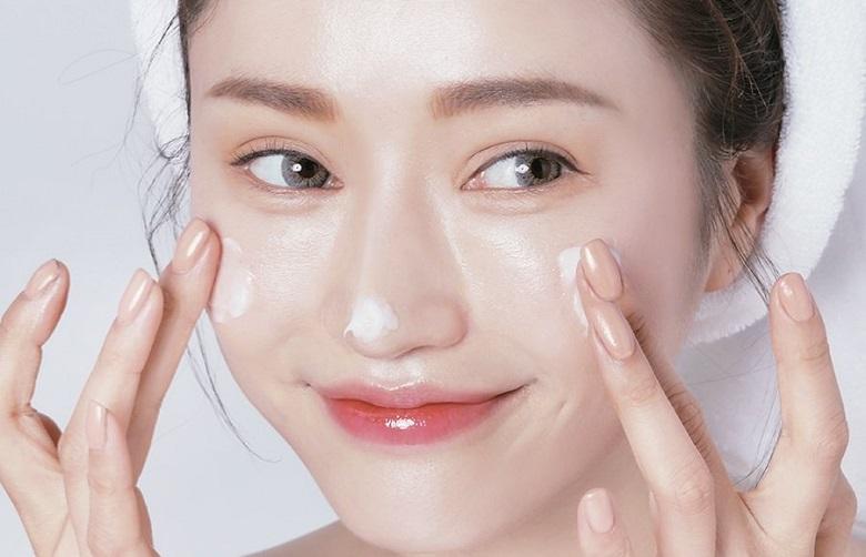 Chia sẻ kinh nghiệm dưỡng da sau khi nặn mụn siêu chuẩn