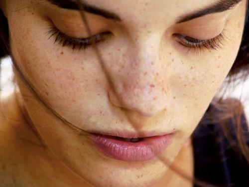 Điểm mặt một số công thức mặt nạ cho da nám sạm tuổi 27 từ thiên nhiên