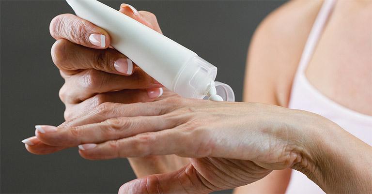 Viêm da cơ địa sau sinh: Nguyên nhân và cách khắc phục