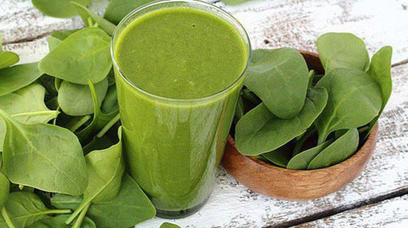 Bí quyết giúp da đẹp ở tuổi trung niên nhờ uống nước ép rau xanh